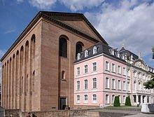 220px-Trier_Kurfuerstliches_Palais_BW_4.
