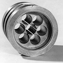 220px-Original_cavity_magnetron%2C_1940_
