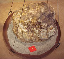 220px-Gold_30g_for_a_860kg_rock.jpg